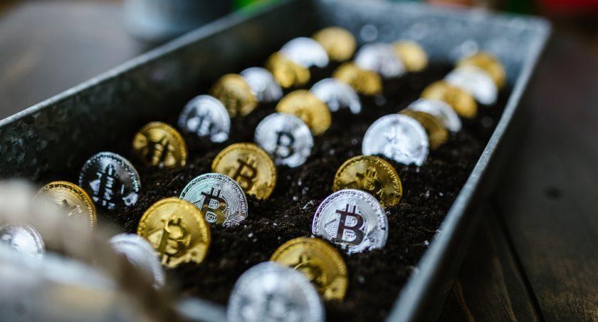 5 Blockchain Stocks To Invest In